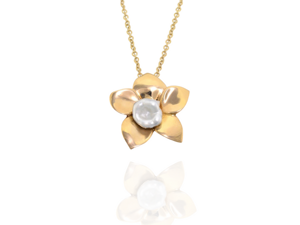 Orchid Keshi pearl pendant in rose gold