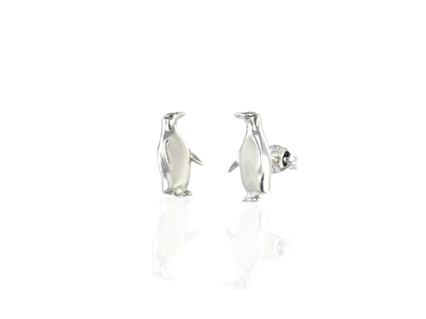 penguin hoiho stud earrings in silver