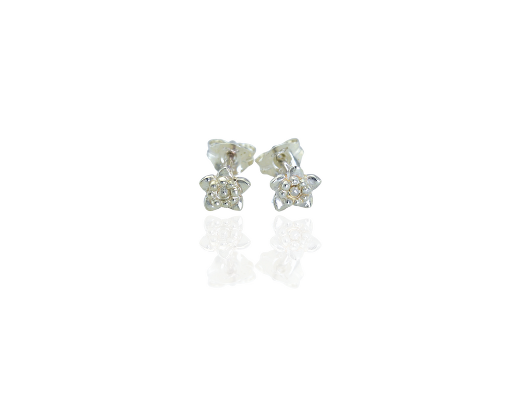 small flower stud earrings in silver