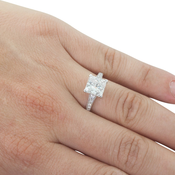 18ct White Gold 3.14ct Diamond Vantage Ring - Walker & Hall