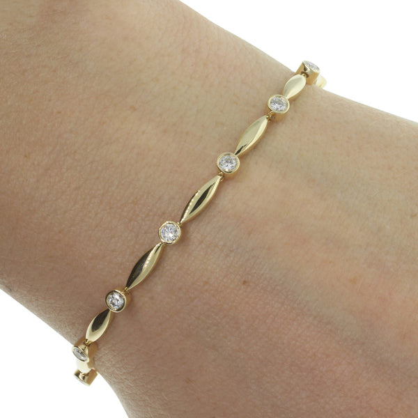 18ct Yellow Gold 1.01ct Diamond Tennis Bracelet - Walker & Hall