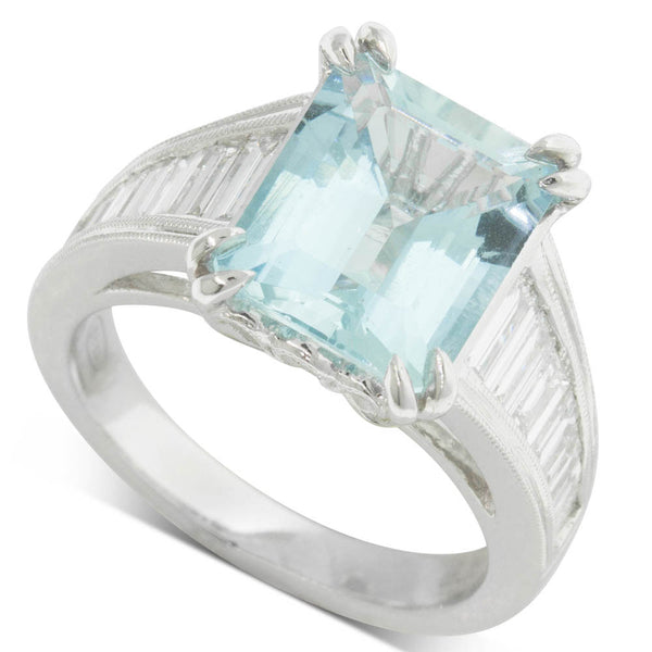 18ct White Gold Aquamarine & Diamond Ring