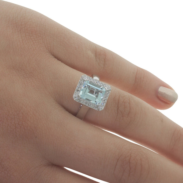 18ct White Gold 2.06ct Aquamarine & Diamond Ring - Walker & Hall