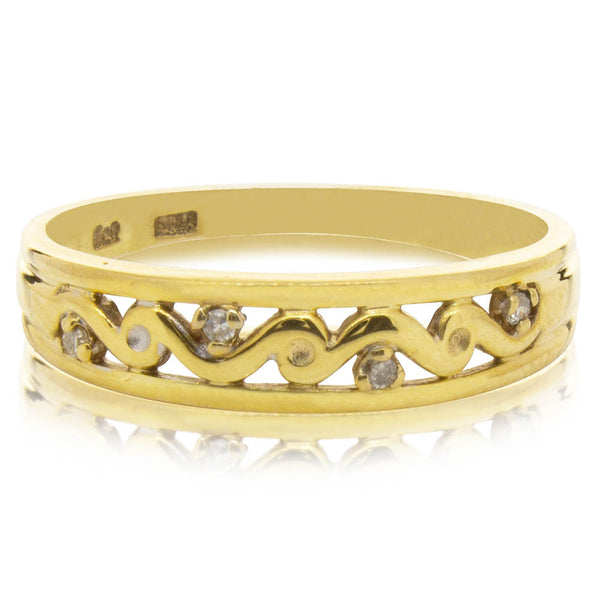 Deja Vu 9ct Yellow Gold Pattern Diamond Band - Walker & Hall