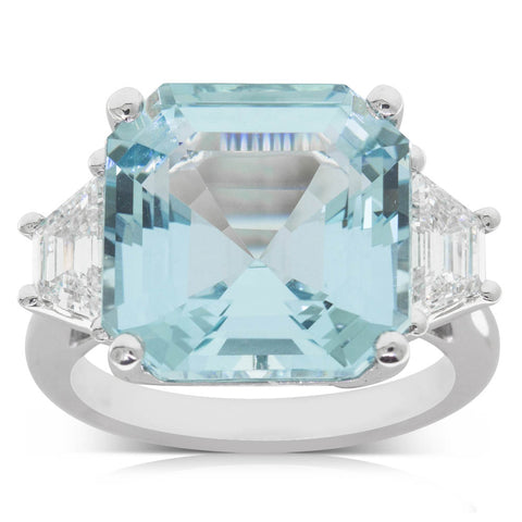 18ct White Gold 9.39ct Aquamarine & Diamond Ring - Walker & Hall