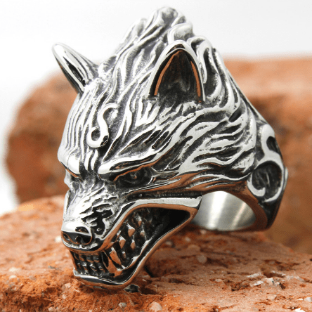 Aggressive Wolf Head Ring