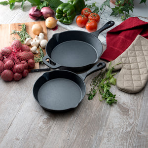 Craft Kitchen™ Medium Cast Iron Skillet 20cm
