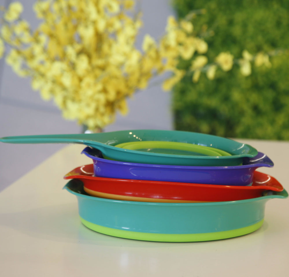 Colanders and Mixing Bowls Set