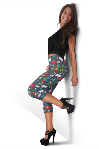 Image of Nurse Capris Leggings - Bright Grey
