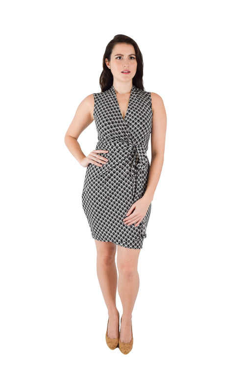 Classic Fit Wrap Dress, Sleeveless Black and White Diamond Print