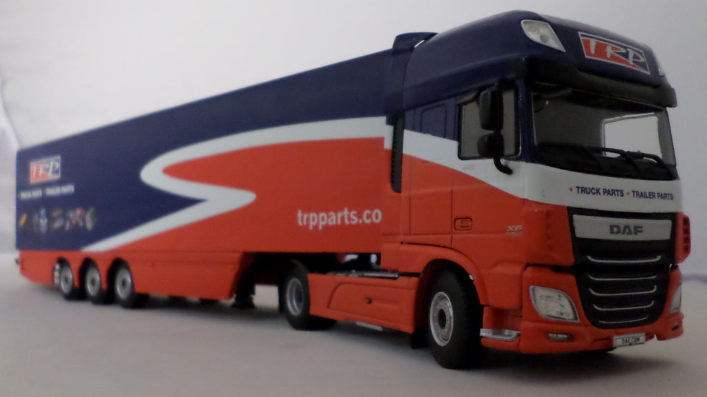 DAF XF Euro 6 Super Space Cab Model Truck & Trailer