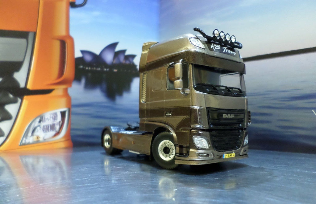 DAF XF Super Space Cab Model Truck
