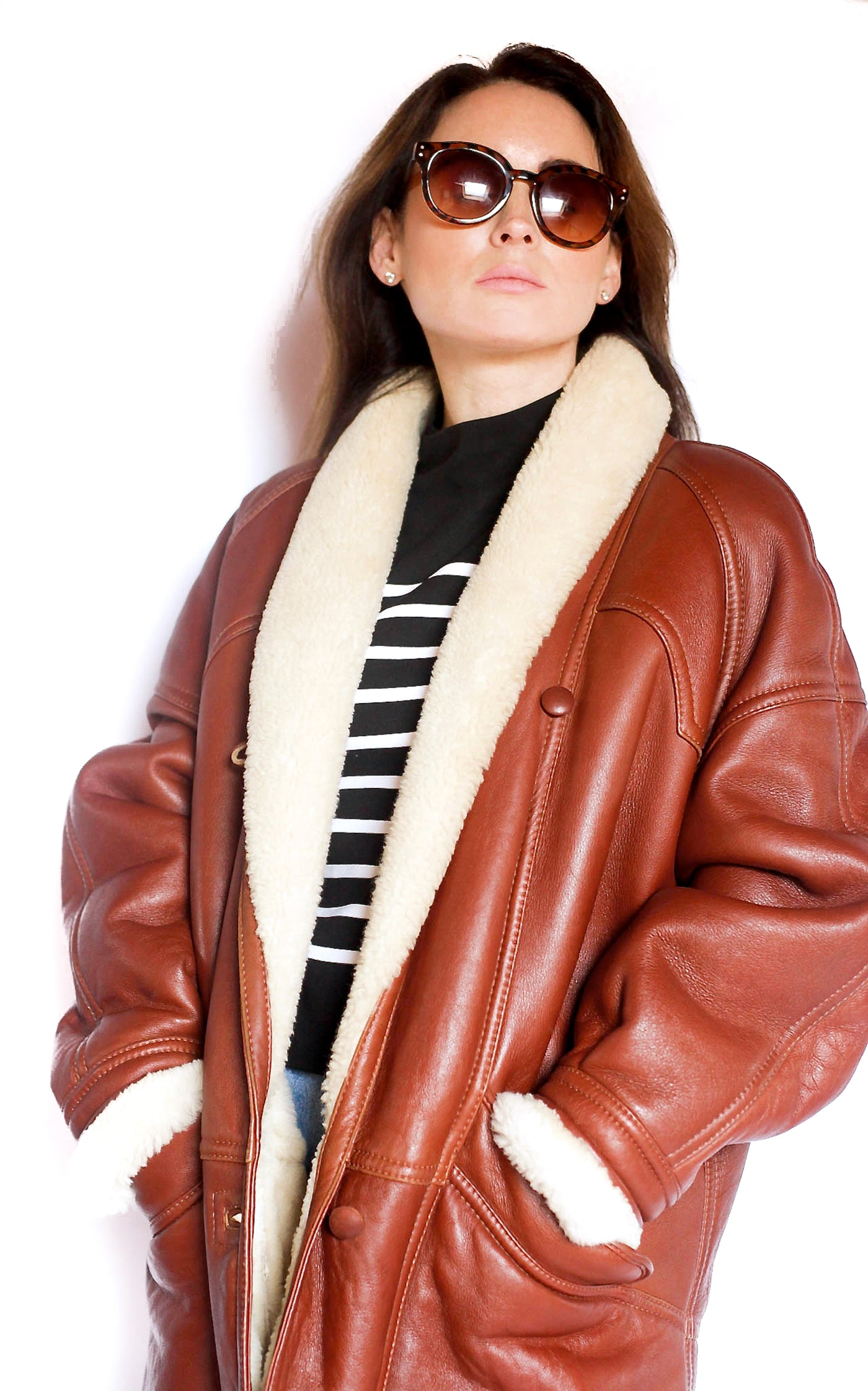 collections/Vintage_tan_shearling_aviator_jacket_3_b07c30b3-7dc3-48d8-b1fe-ff6df101fb9d.jpg