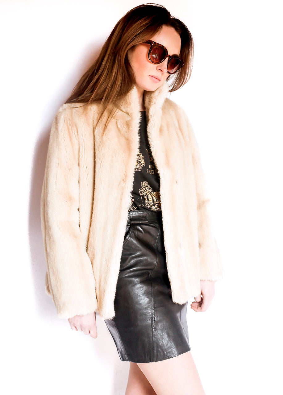 collections/vintage_faux_fur_jacket_5.jpg