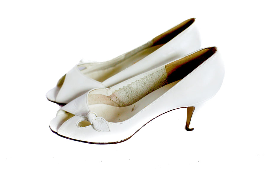 Vintage white leather peep toe shoes  UK 4.5