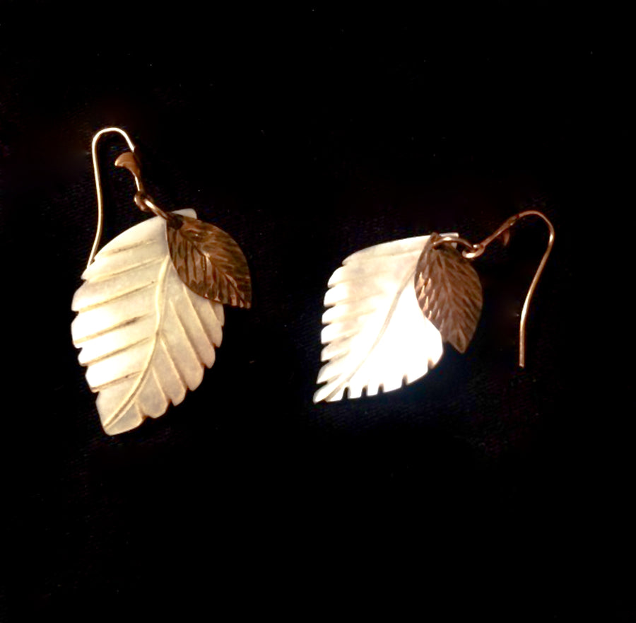 Vintage 1970 mother of pearl earrings earrings