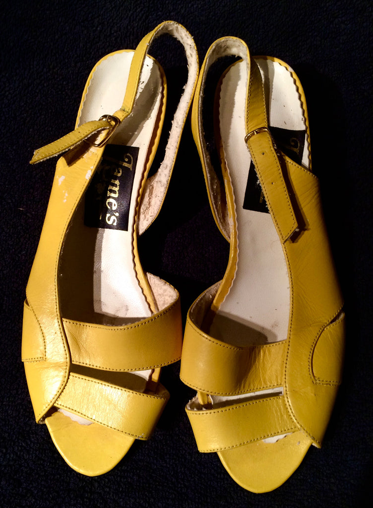 Vintage yellow sandals UK 6