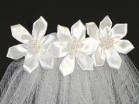 "T47 18"" Veil on Comb with Organza Flowers"