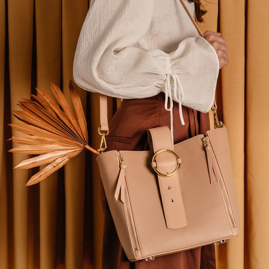 Addicted Bucket Tote in Beige | Parisa Wang | Featured