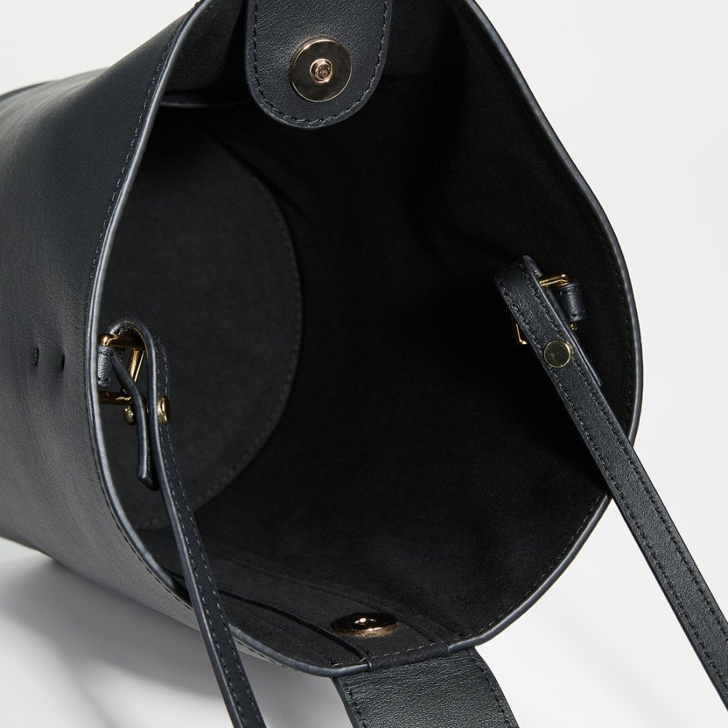 Addicted Bucket Bag