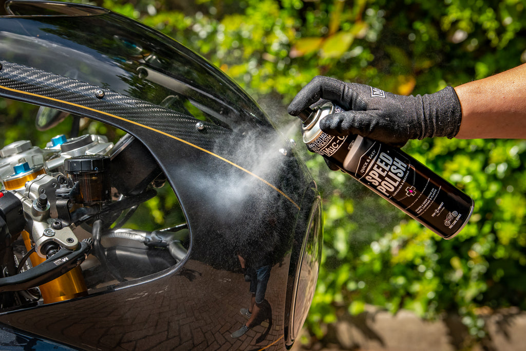 Applying Speed Polish to a motorcycle