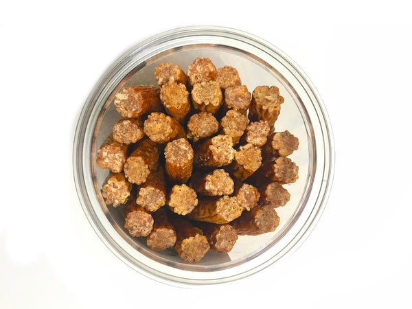 Lucky Premium Treats Shorty Slims, Chicken Jerky, Jar Top View