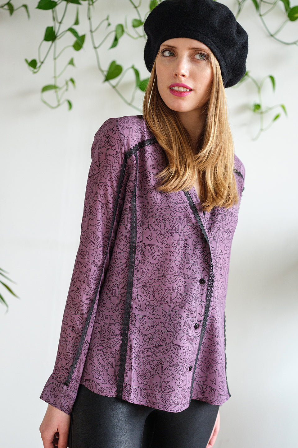 THE MONDAY SHIRT IN AUBERGINE