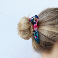 Load image into Gallery viewer, Tropical Black Bow Schrunchie