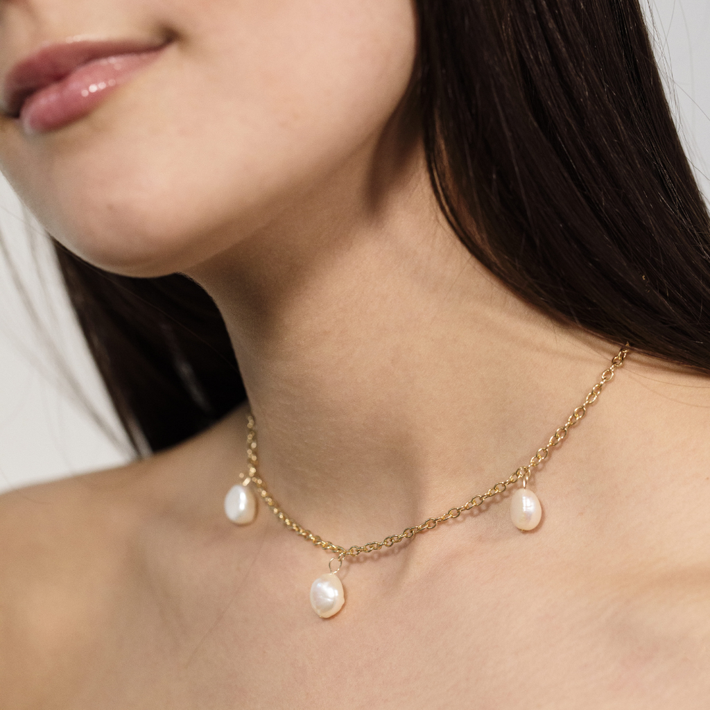 Las Tres Perlas Choker featuring three fresshwater pearls by MONTSERRAT New York