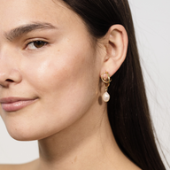Bilbao Earring - Montserrat New York - gold plated with fresh water pearl