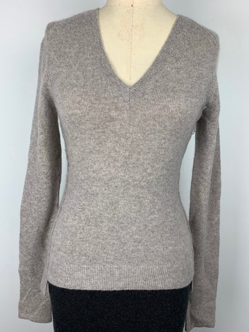 STRETCH CASHMERE VNECK