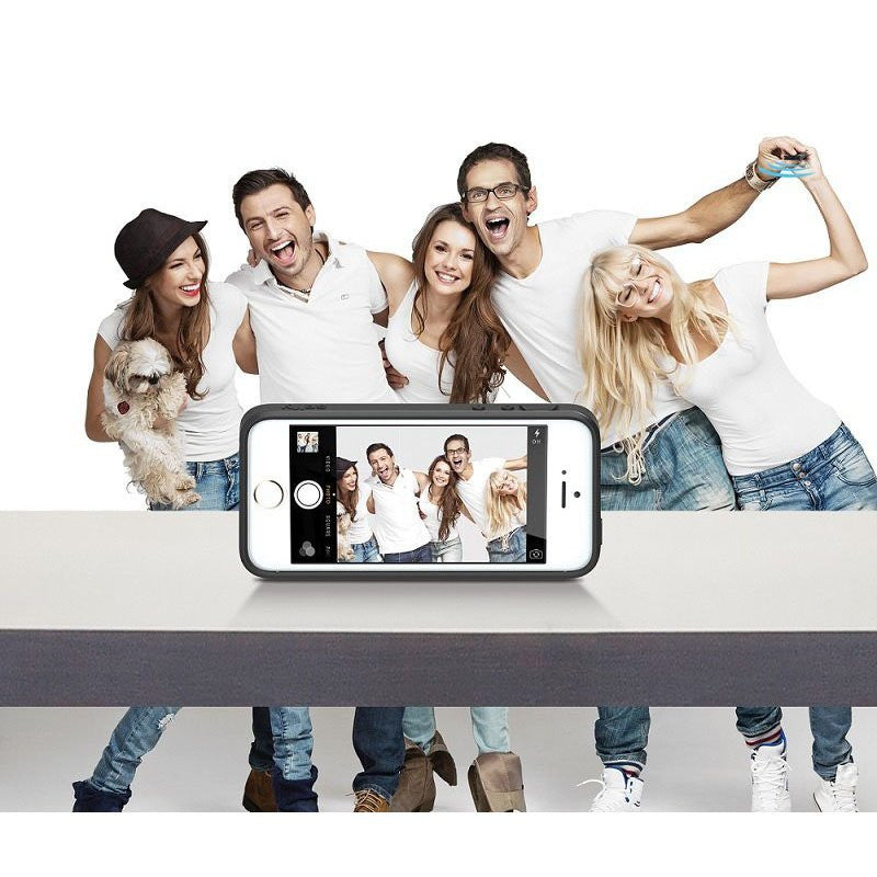 LizaTech iPhone 5/5S Case With A Built-In Wireless Camera Shutter - The Perfect Selfie Case