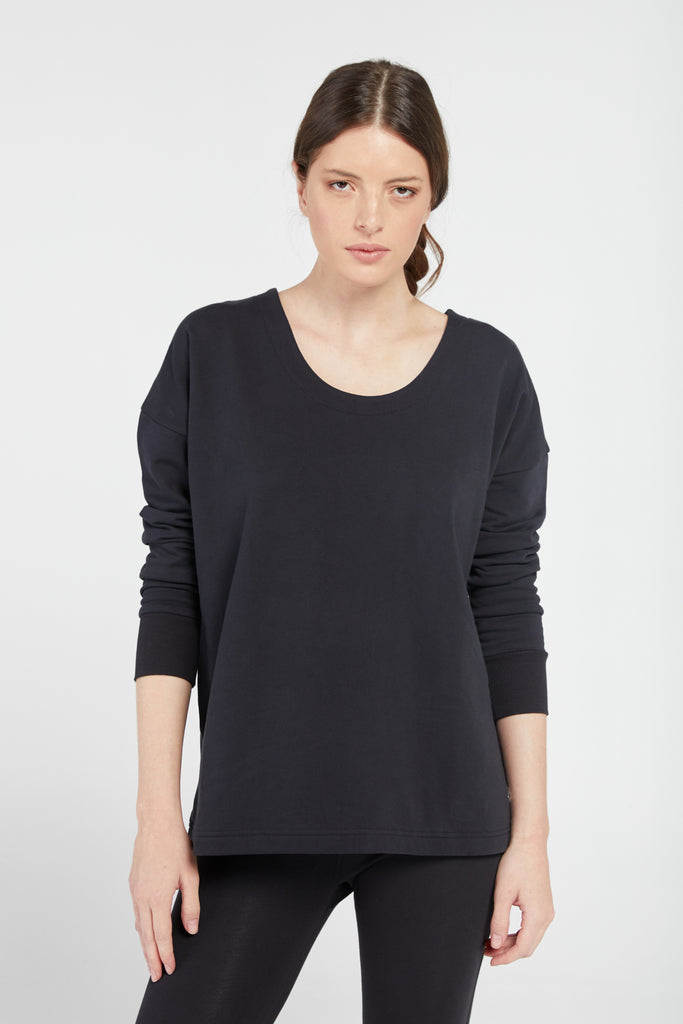GRATITUDE CROSS BACK SWEATSHIRT IN BLACK
