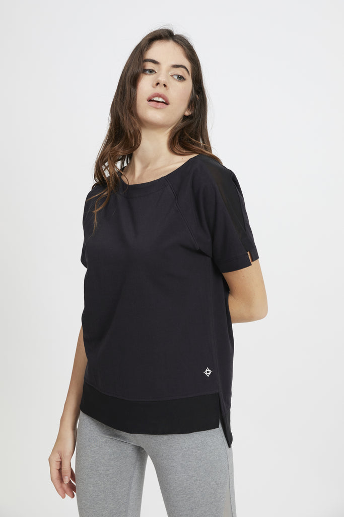 GUNI HIGH LOW TEE BLACK