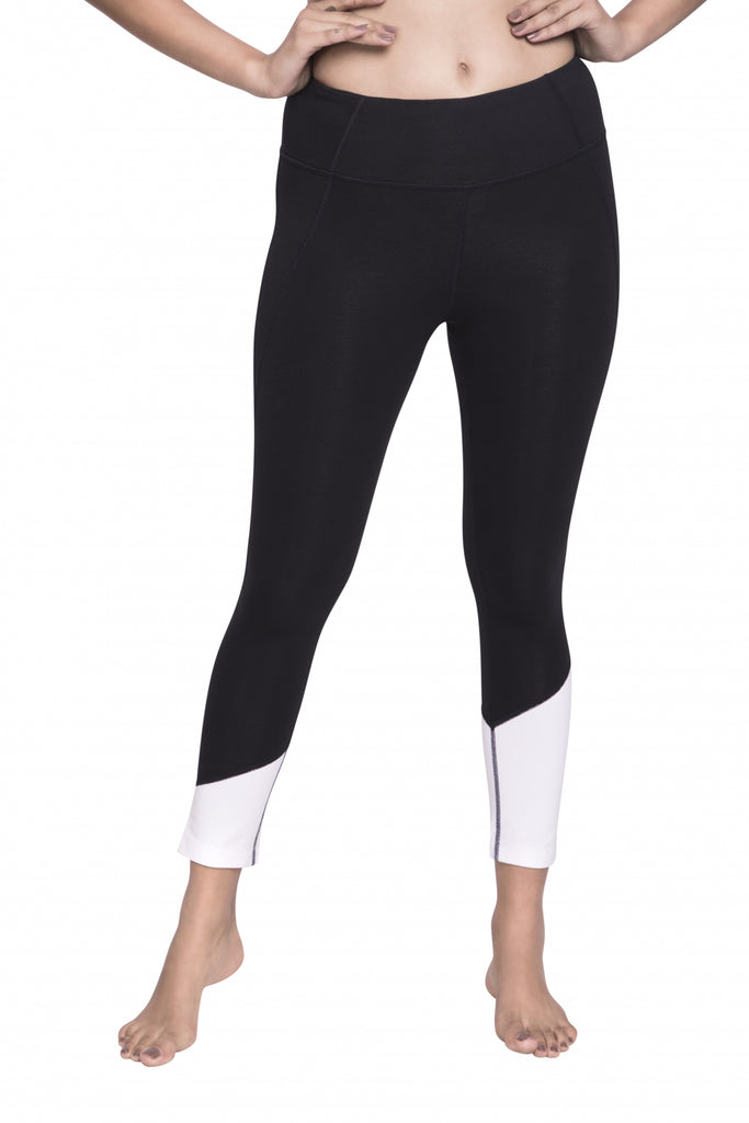 HIGH WAISTED MAHA CAPRI BLACK/WHITE