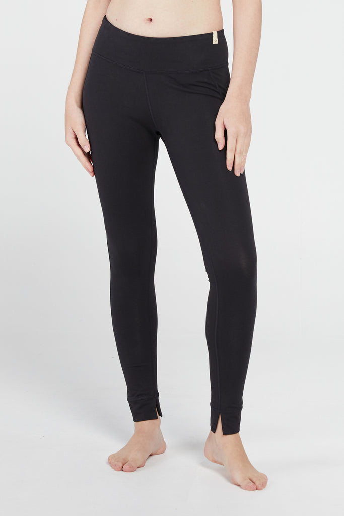 MANTRA LEGGING IN BLACK