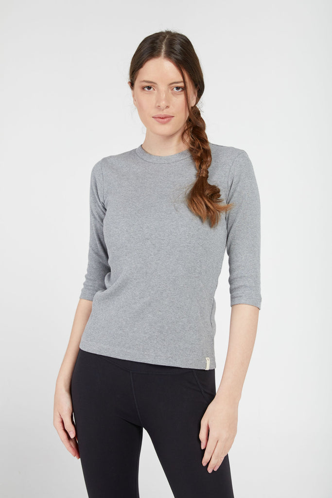 MANYA RIBBED TEE IN HEATHER GREY