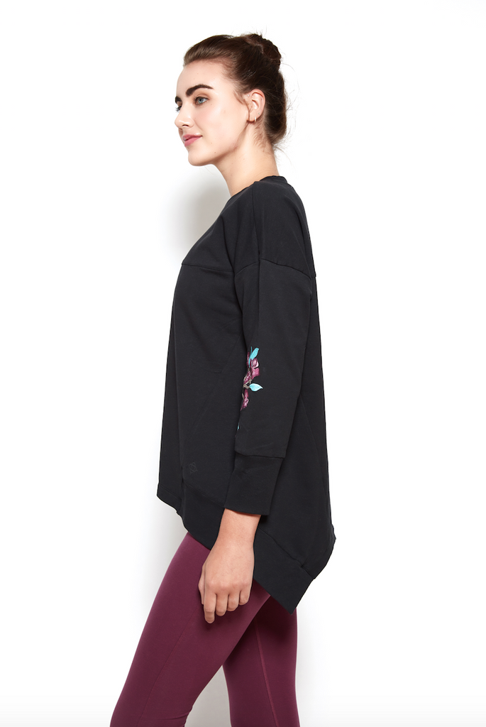 Sarana Sweatshirt in Black