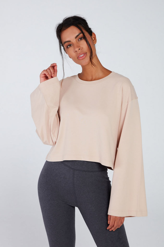 ESCAPE WIDE SLEEVE TOP IN WILLOW