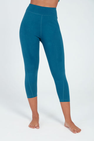 AFFINITY HIGH WAISTED CAPRI IN FOREST TEAL