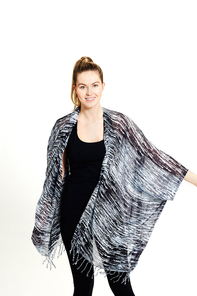 women's organic cotton divine kimono in scratch print (front) | SATVA