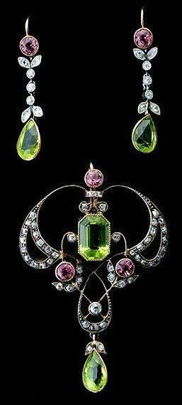 peridot earrings and necklace