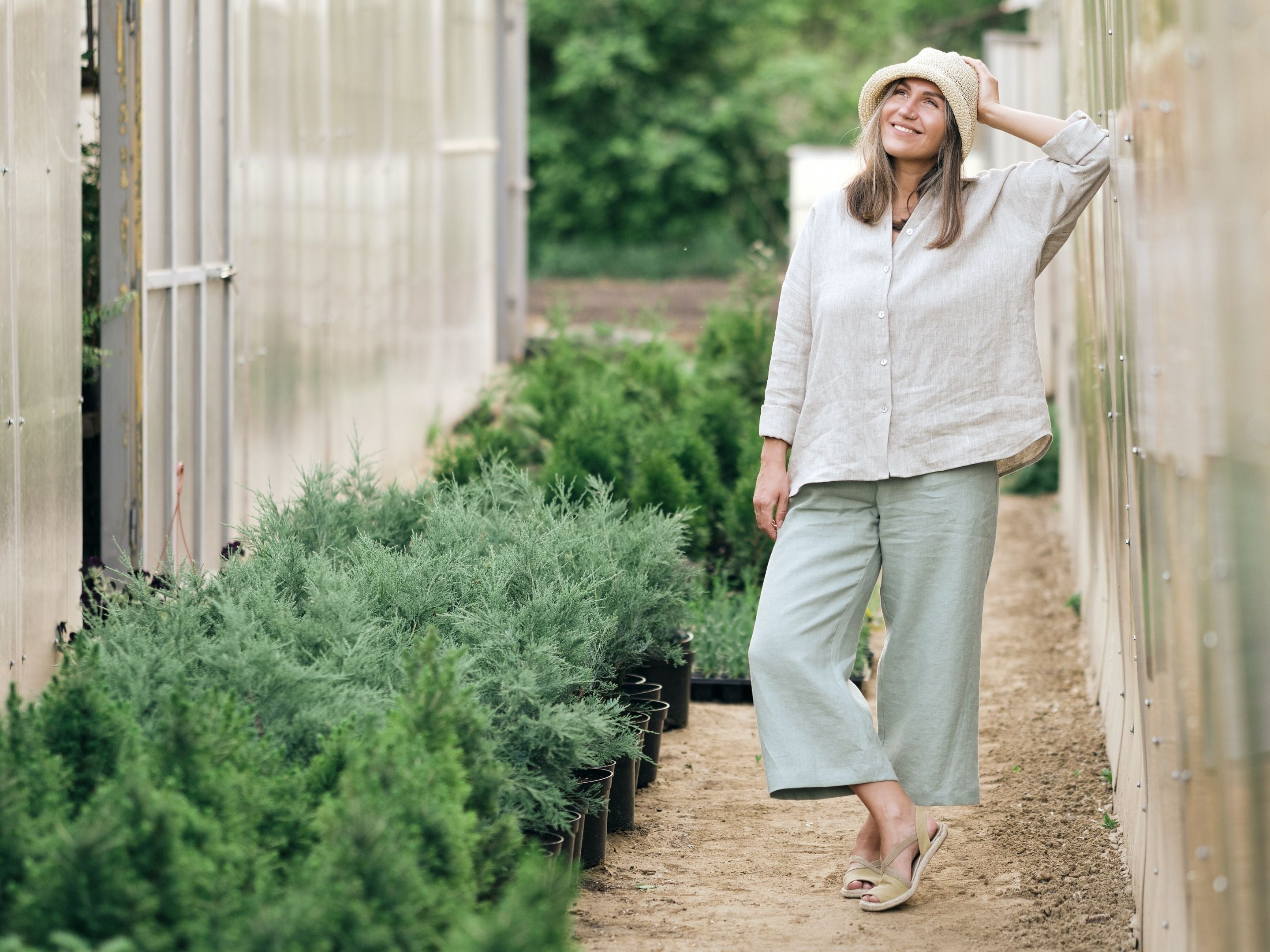 Casual summer tunic and pants in linen fabrics