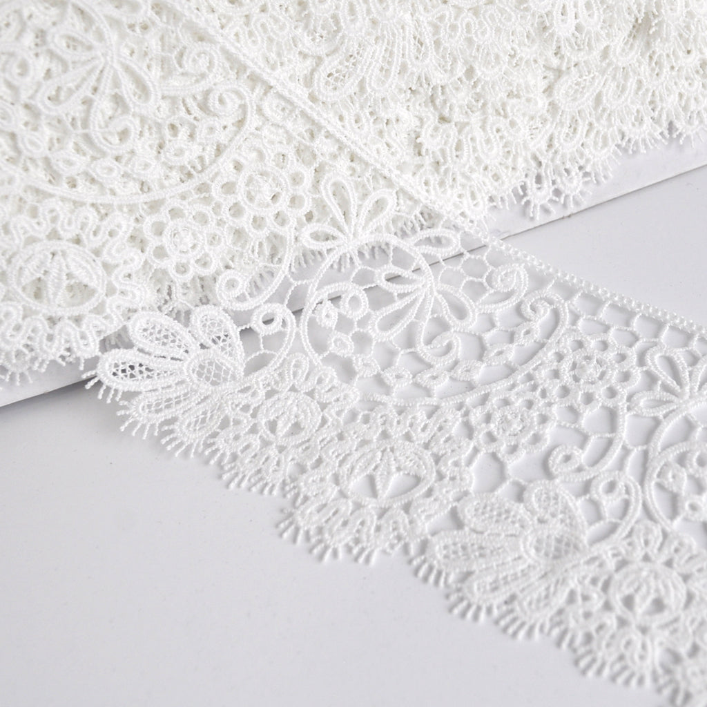 NEW 3 3//4 INCH IVORY MEDALLION LACE FABRIC TRIM
