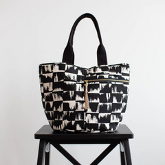 Noodlehead Crescent Tote - Patterns - Style Maker Fabrics