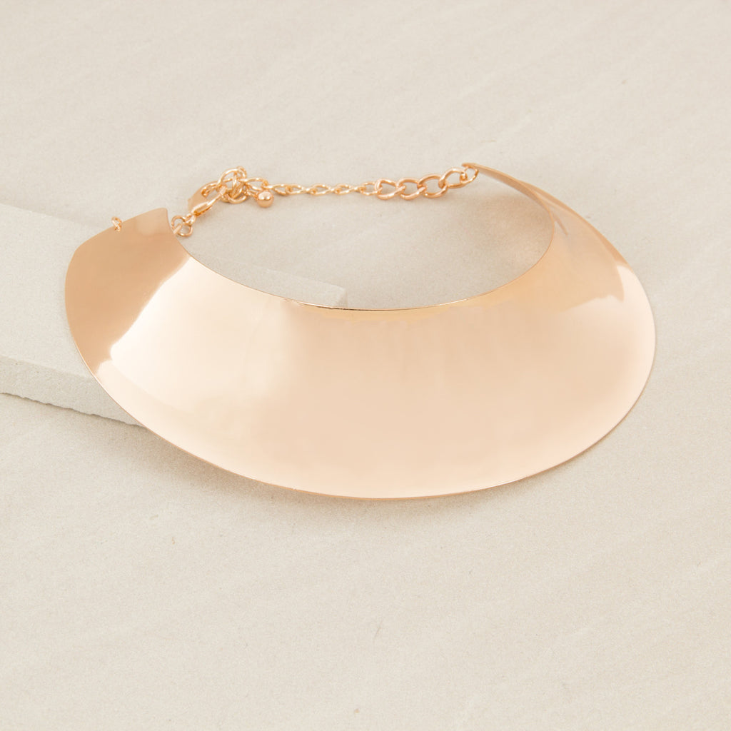 Futuristic Curved Oval Metal Collar - Gold