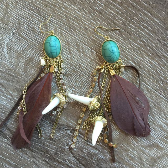Holly Earrings - Willow Rose Boutique