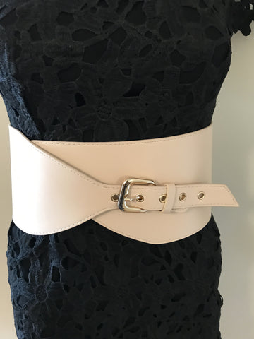 Minimal Buckle Waist Belt - Nude - Willow Rose Boutique