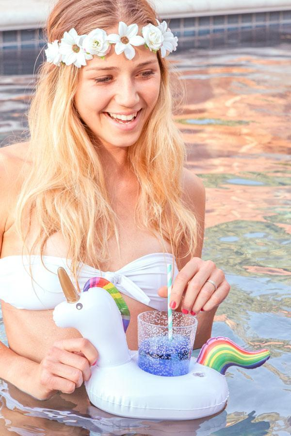 unicorn drink floaties! so perfect for a bachelorette party