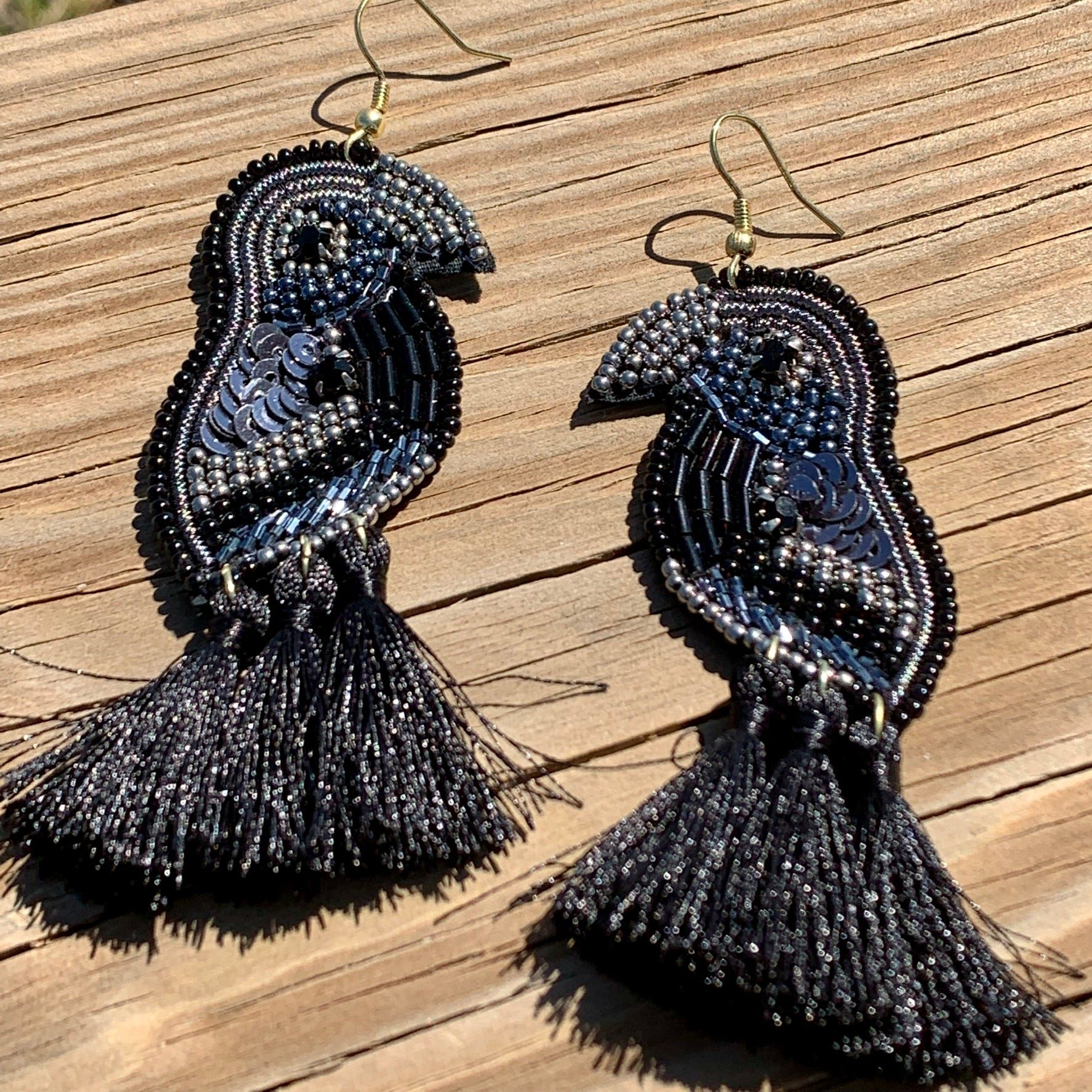Parrot Beaded Ear Ring Black